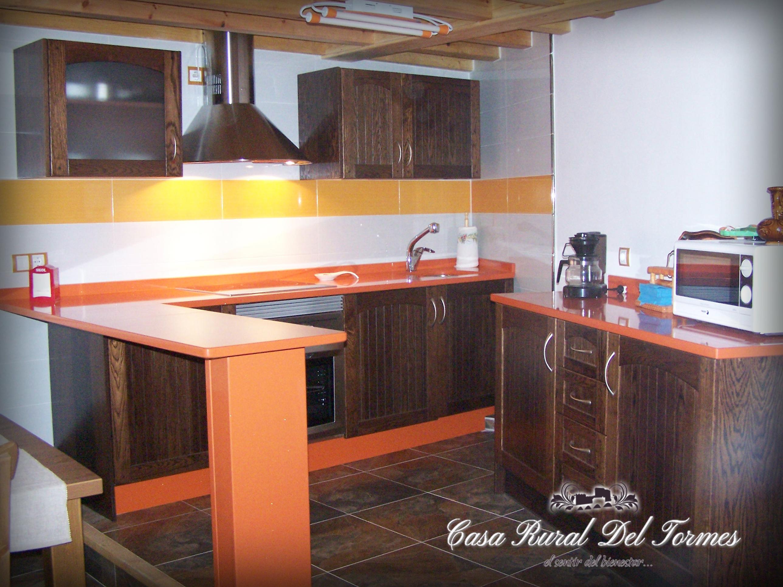Cocina sala de estar 1 casa rural del tormescasa rural - La cocina en casa ...
