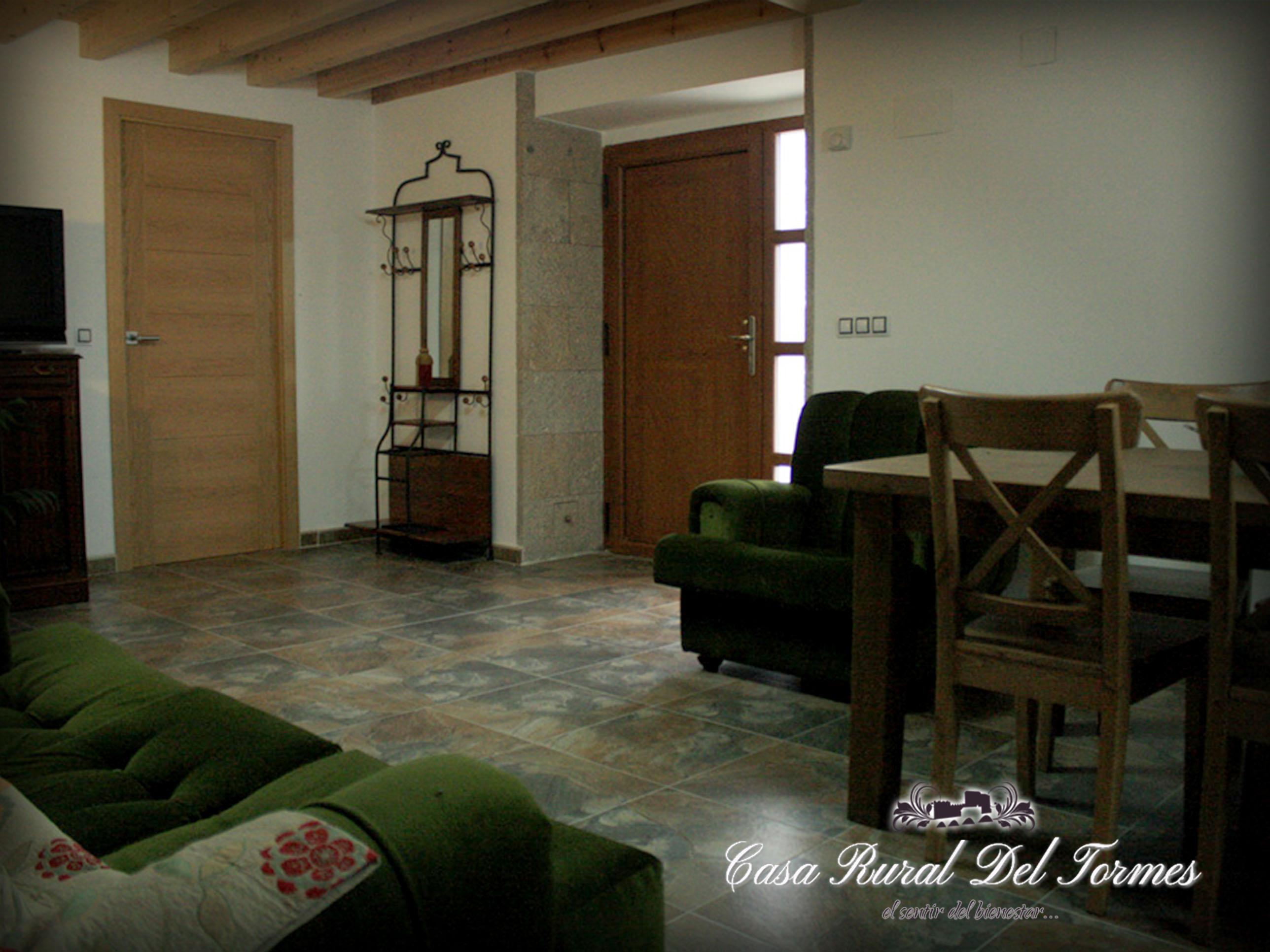 Cocina sala de estar 5 casa rural del tormescasa rural for Sala de estar y cocina